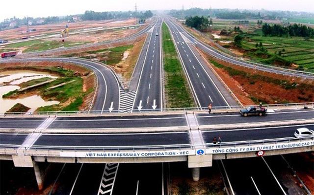 Chính phủ kiến nghị chuyển 3 dự án PPP tuyến cao tốc Bắc - Nam sang đầu tư công - Ảnh 1.