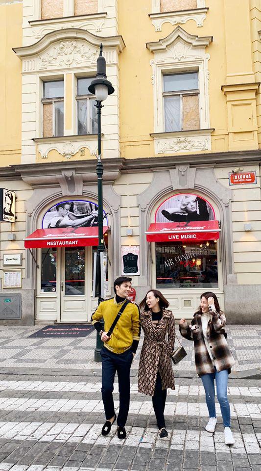 Nhớ Praha, Lã Thanh Huyền tung loạt ảnh hậu trường Tình yêu và tham vọng - Ảnh 6.