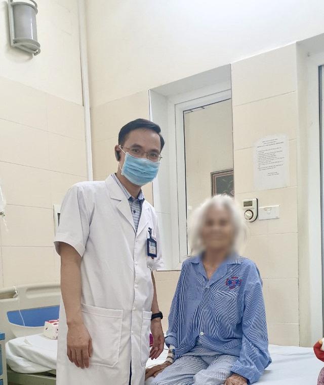 Phẫu thuật điều trị ung thư đường tiêu hóa cho hai bệnh nhân 90 tuổi - Ảnh 2.