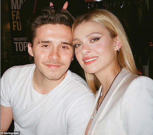 Victoria Beckham phấn khích khi con trai kết hôn - Ảnh 1.