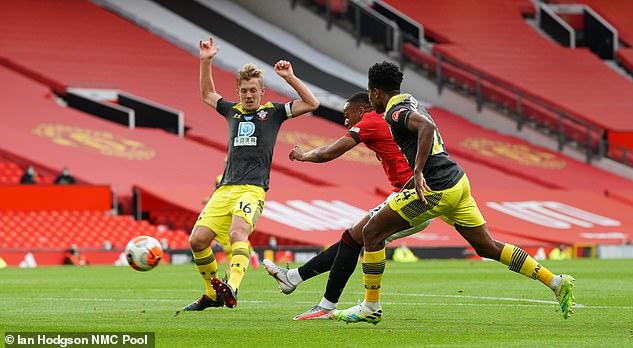 Man Utd 2-2 Southampton: Đánh rơi chiến thắng phút bù giờ, Man Utd lỡ cơ hội vào top 4 - Ảnh 3.