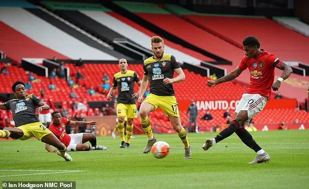Man Utd 2-2 Southampton: Đánh rơi chiến thắng phút bù giờ, Man Utd lỡ cơ hội vào top 4 - Ảnh 2.
