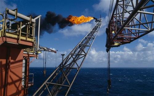 Giá dầu tăng nhẹ trước thềm cuộc họp OPEC+ - Ảnh 1.