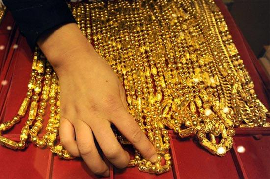 Giá vàng giảm nhẹ, vẫn trên 50 triệu đồng/lượng - Ảnh 1.