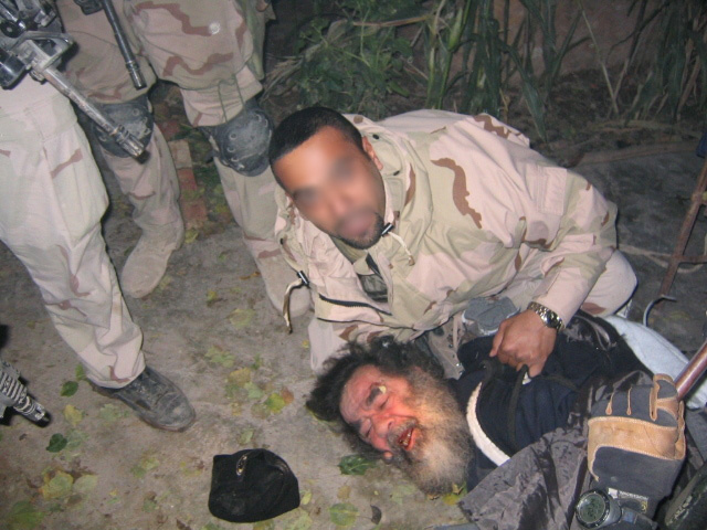 Cuộc bắt giữ và hành quyết cựu Tổng thống Iraq Saddam Hussein - Những thông tin lần đầu được hé lộ - Ảnh 4.