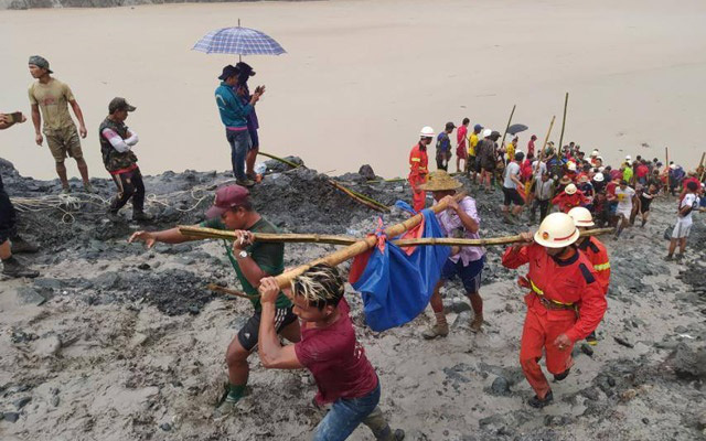 Hơn 100 người tử vong vụ sập mỏ ngọc bích ở Myanmar: Chỉ 1 phút, tất cả đã biến mất - Ảnh 1.