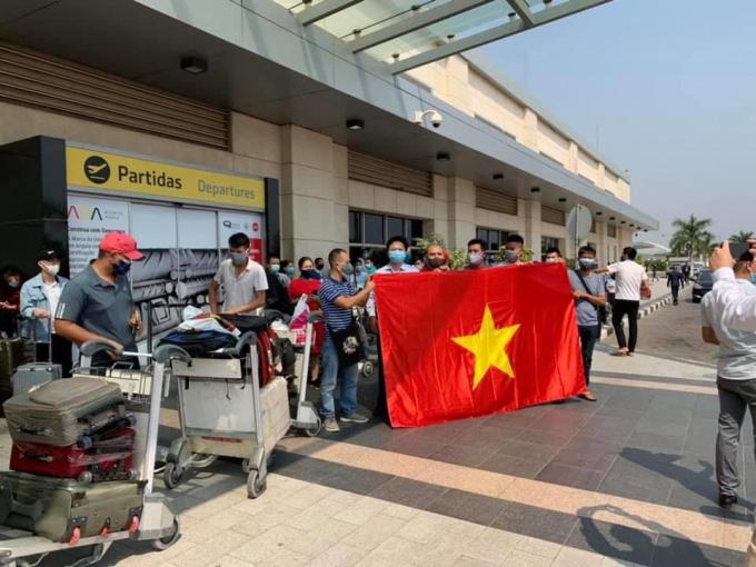 Vietnamese citizen in Luanda, Angola waiting to board the plane home on June 18.