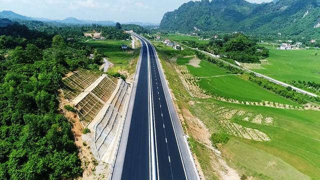 11 dự án cao tốc Bắc - Nam: Tháng 9 sẽ hoàn thành giải phóng mặt bằng - Ảnh 1.
