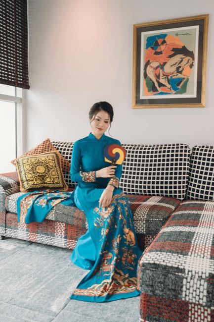 Tina Yuan diện thiết kế áo dài của NTK Thuy Dinh trong bộ ảnh mới nhất - Ảnh 2.