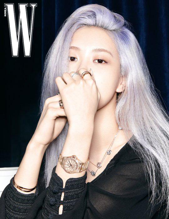 Rosé (BLACKPINK) khoe vẻ đẹp trong trẻo trên tạp chí W - Ảnh 6.