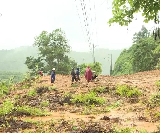 Hà Giang thông xe điểm sạt lở do mưa lũ trên Quốc lộ 2 - Ảnh 1.
