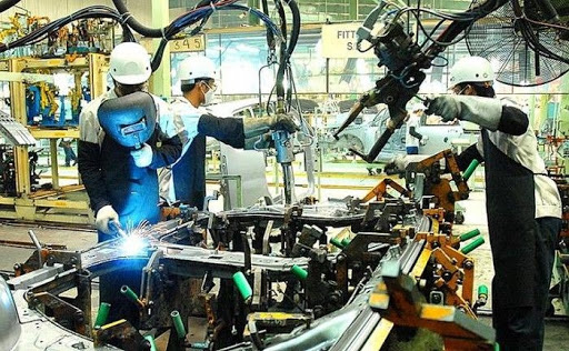 Fitch: Việt Nam là điểm đến hấp dẫn để sản xuất linh kiện ô tô  - Ảnh 1.