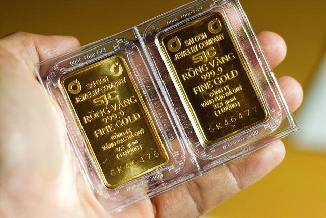 Giá vàng khép lại tháng 7 rực rỡ với mức tăng hơn 10% - ảnh 1