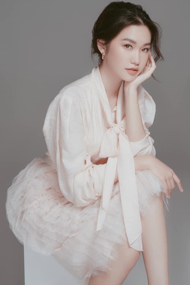 Thí sinh Hoa hậu Việt Nam gây sốt vì xinh đẹp, thành tích học tập khủng - Ảnh 9.