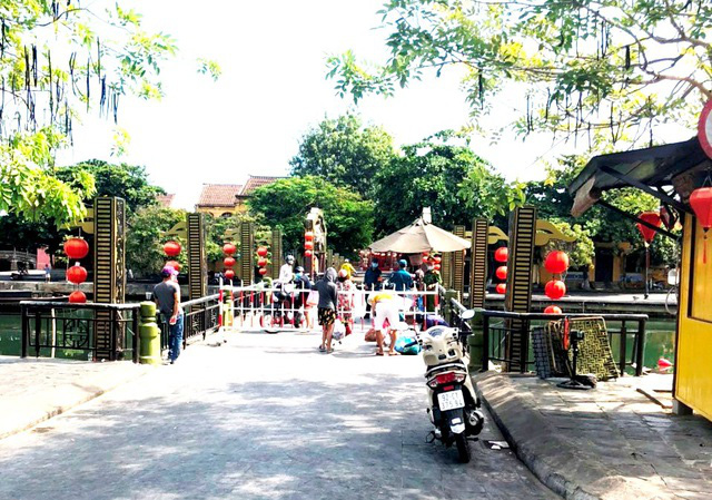 5 bệnh nhân COVID-19 mới ở Quảng Nam đã tiếp xúc nhiều người ở chợ, chùa, đám tang - Ảnh 1.