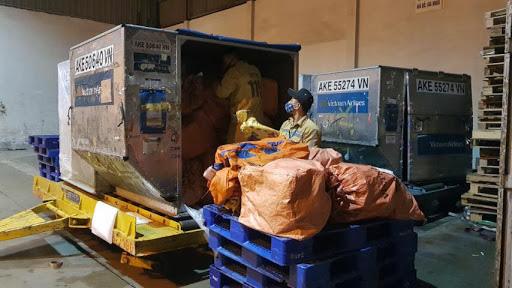 Bất chấp COVID-19, sản lượng ngành bưu chính chuyển phát vẫn tăng 40% - Ảnh 3.