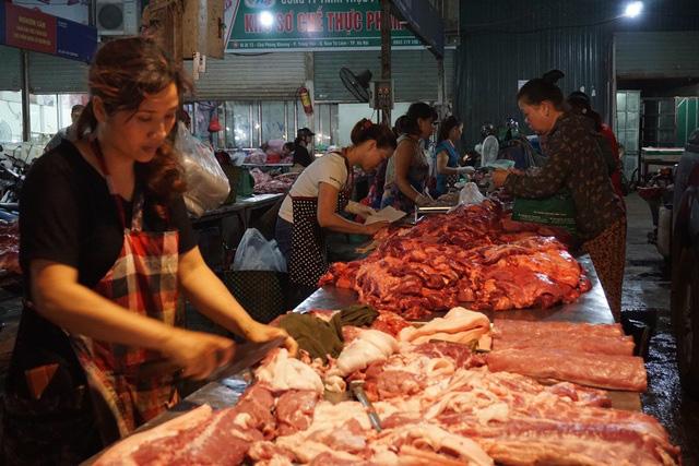 Thêm 1.000 con lợn sống từ Thái Lan nhập về Việt Nam - Ảnh 1.