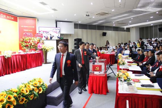 Đảng bộ Tổng công ty Viễn thông Mobifone quyết tâm chuyển đổi nhanh, mạnh, hiệu quả trong nền kinh tế số - Ảnh 1.