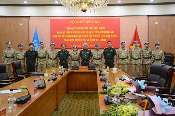 Việt Nam cử thêm 10 sĩ quan làm nhiệm vụ gìn giữ hòa bình Liên Hợp Quốc - Ảnh 2.