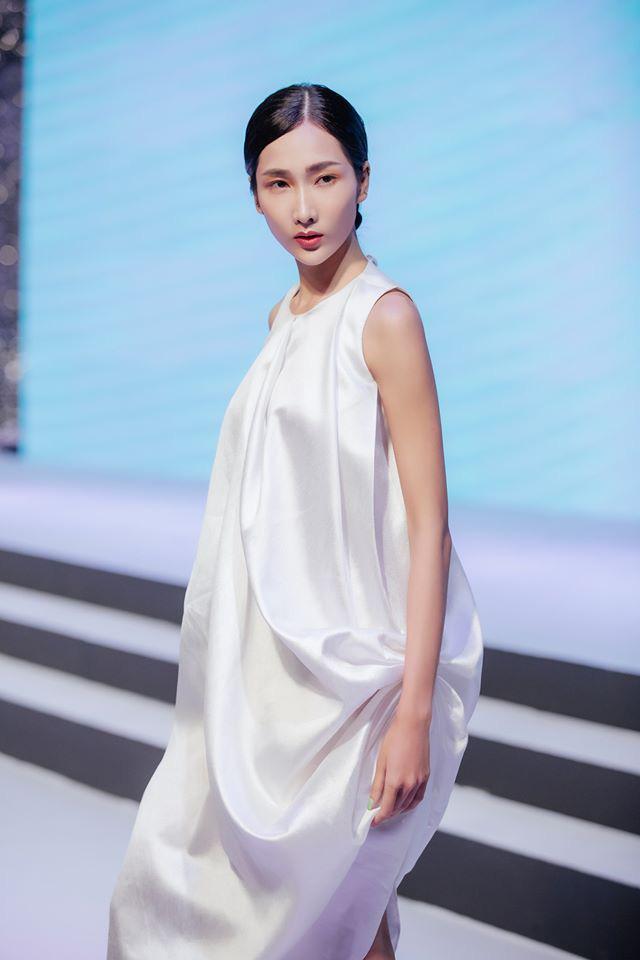 Bản sao Hoàng Thùy dự thi Hoa hậu Việt Nam 2020 - Ảnh 4.