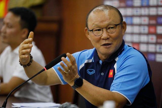 Bình luận thể thao ngày 21/8: Chuyện lương HLV Park Hang Seo đến sự thay đổi chiến thuật với ĐT Việt Nam (20h30 hôm nay trên VTV1) - Ảnh 1.