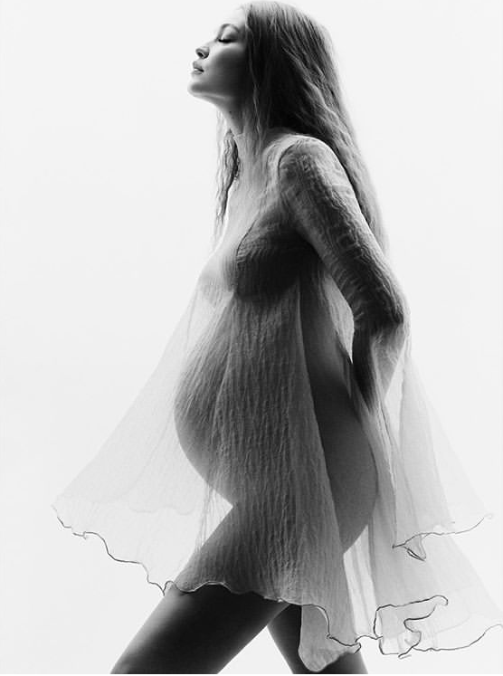 Gigi Hadid lần đầu công khai ảnh bầu, siêu xinh - Ảnh 6.