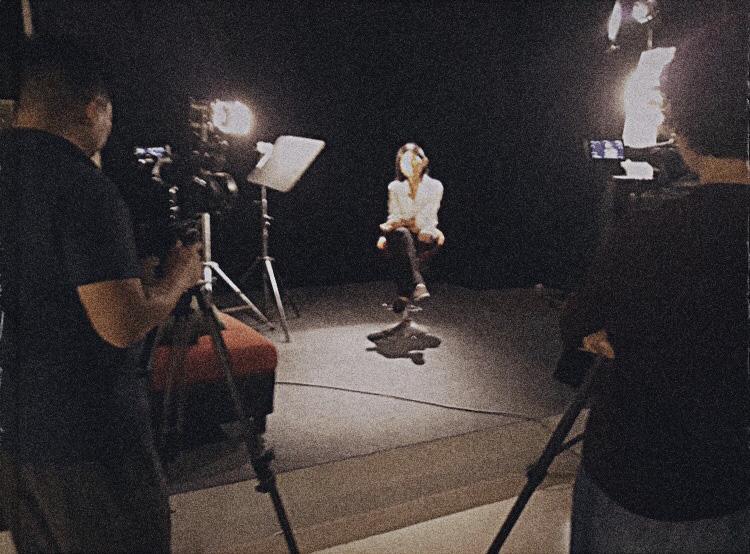 Đạo diễn Đoàn Hồng Lê và câu chuyện phía sau bộ phim tài liệu Người mẹ - Ảnh 8.