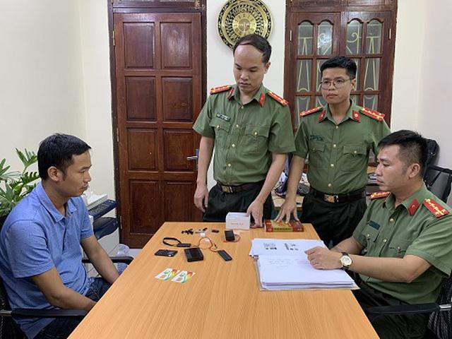 Thu giữ hơn 200 máy ghi âm, ghi hình để gian lận thi cử nhập lậu vào Việt Nam - Ảnh 1.