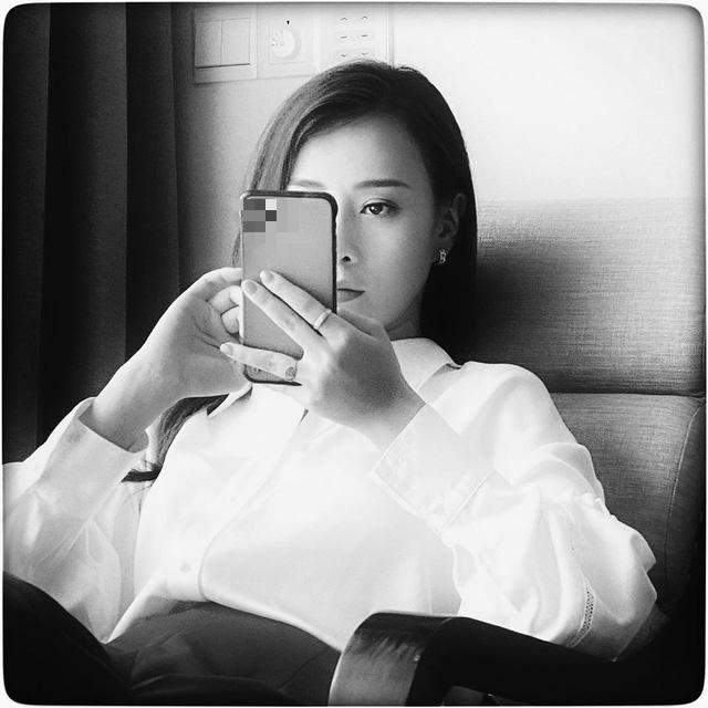 Phương Oanh đẹp siêu lòng qua ống kính của Huỳnh Anh - Ảnh 2.