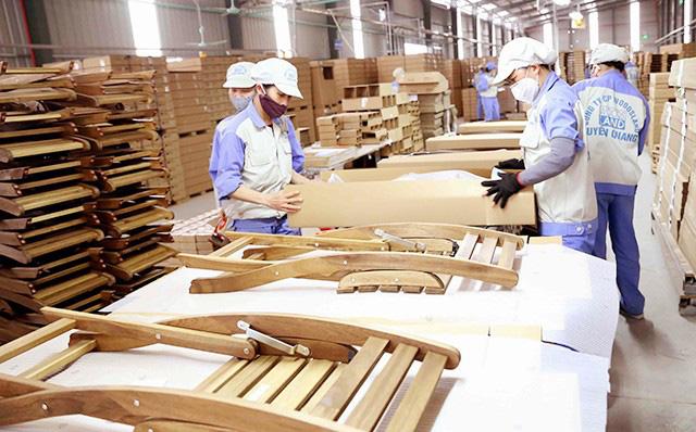 Bất chấp dịch COVID-19, xuất khẩu gỗ và sản phẩm gỗ vẫn tăng trưởng - Ảnh 1.