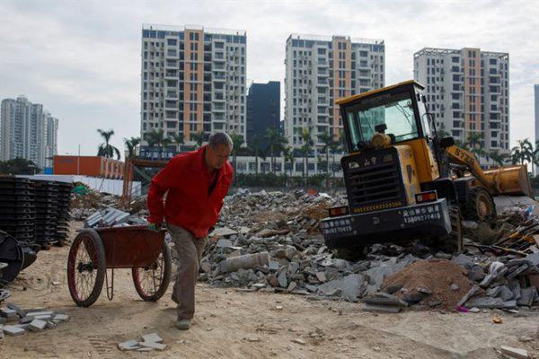 Tập đoàn bất động sản lớn nhất Trung Quốc giảm giá bán nhà 30% - Ảnh 1.