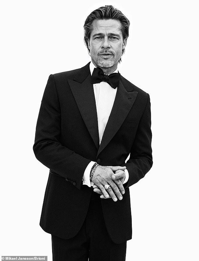 Brad Pitt vẫn lịch lãm và phong độ dù đã U60 - Ảnh 2.