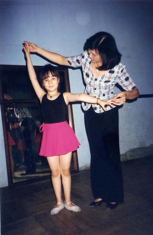 Loạt ảnh Diễm My 9x thời bé đóng phim chung với nhiều diễn viên nổi tiếng - ảnh 11
