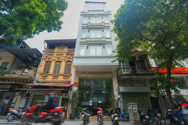 """""""Buốt ruột"""" vì vắng khách, chủ khách sạn phố cổ Hà Nội rao bán trăm tỷ đồng - Ảnh 6."""