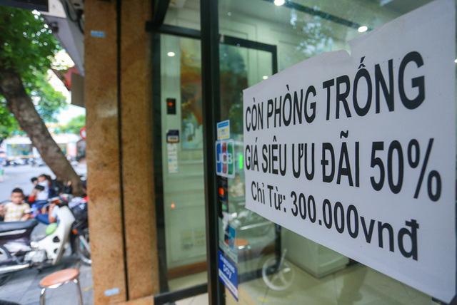 """""""Buốt ruột"""" vì vắng khách, chủ khách sạn phố cổ Hà Nội rao bán trăm tỷ đồng - Ảnh 9."""