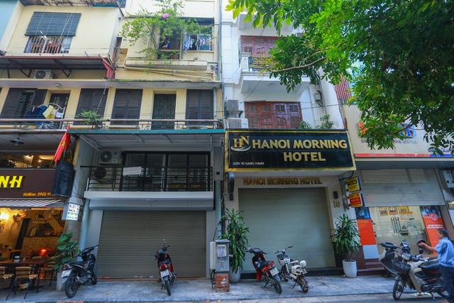 """""""Buốt ruột"""" vì vắng khách, chủ khách sạn phố cổ Hà Nội rao bán trăm tỷ đồng - Ảnh 10."""