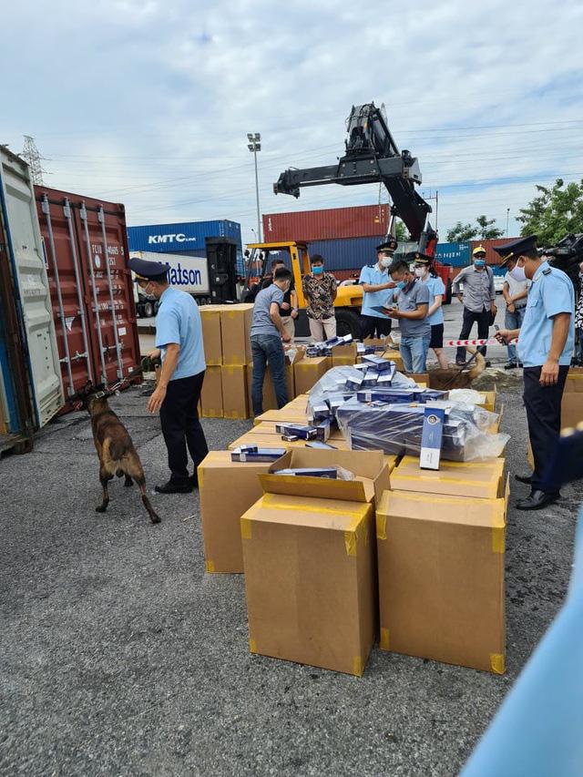 Sẽ tiêu hủy hơn 1 triệu bao thuốc lá giả nhãn hiệu 555 nhập khẩu qua cảng Hải Phòng - Ảnh 2.