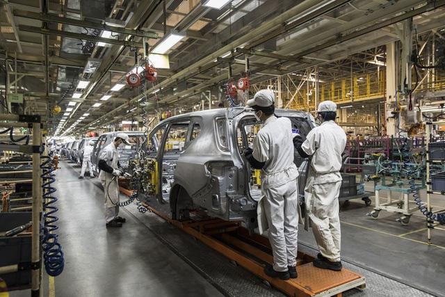 Gia hạn thời hạn nộp thuế tiêu thụ đặc biệt với ô tô lắp ráp trong nước - Ảnh 1.