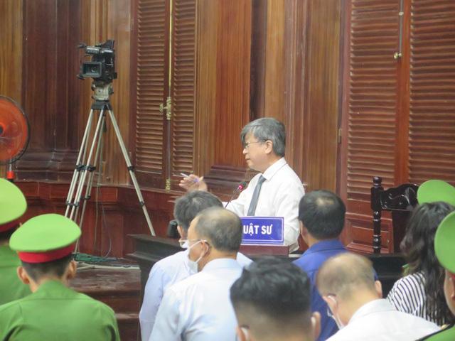 Bị cáo Lê Thị Thanh Thúy lý giải việc chuyển tiền cho ông Nguyễn Thành Tài - Ảnh 2.