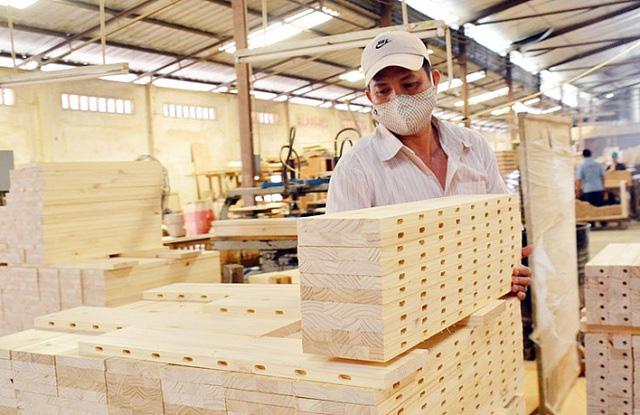 Khôi phục kinh tế do COVID-19: Mở cửa đón chuyên gia, lao động nước ngoài - Ảnh 3.