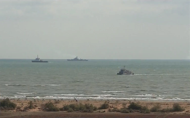 Hạm đội biển Caspi biểu dương sức mạnh tại cuộc tập trận Kavkaz-2020 - Ảnh 1.