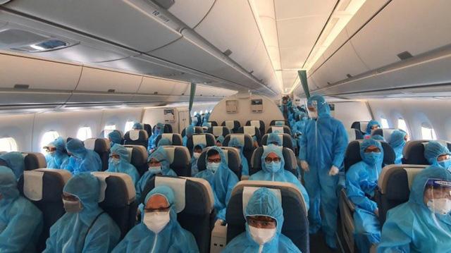 Hôm nay (25/9), chuyến bay quốc tế đầu tiên chở hơn 200 hành khách tới Việt Nam - Ảnh 1.