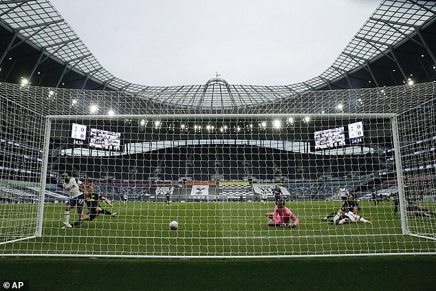 Tottenham 1-1 Newcastle: Mất điểm nghiệt ngã, Mourinho tức giận bỏ về! - Ảnh 1.