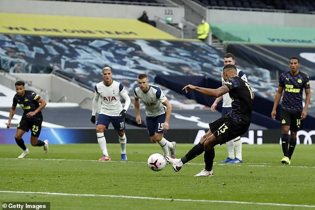 Tottenham 1-1 Newcastle: Mất điểm nghiệt ngã, Mourinho tức giận bỏ về! - Ảnh 3.