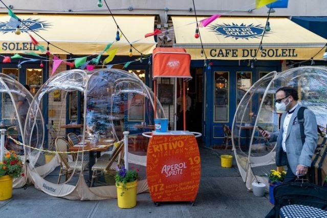 Ý tưởng 'bong bóng' cứu sống nhà hàng New York (Mỹ) trong mùa COVID - ảnh 3