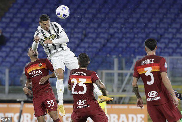 Roma 2-2 Juventus: Ronaldo lập cú đúp, Juventus ngược dòng trong thế thiếu người - Ảnh 4.