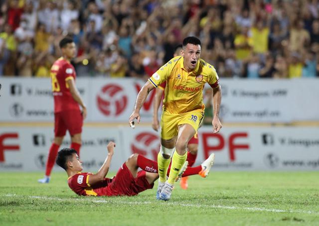 Sân Thiên Trường đón tin vui trước trận cầu với SHB Đà Nẵng - Ảnh 1.