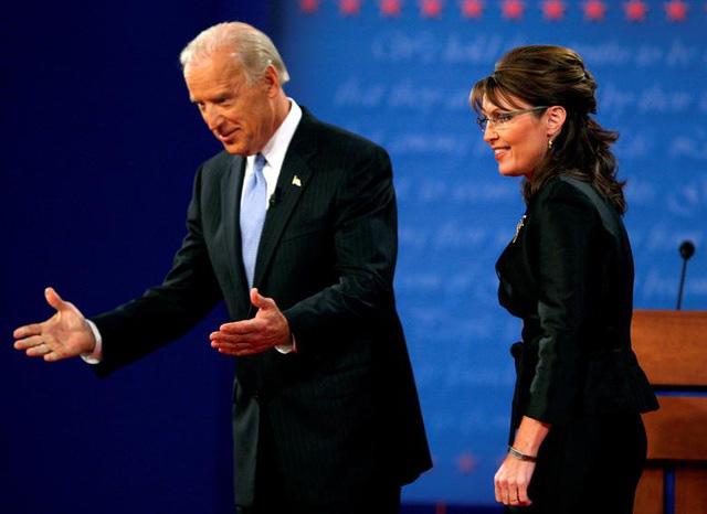 Những màn đấu khẩu trong tranh luận Tổng thống Mỹ - Ảnh 9.