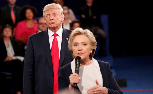 Những màn đấu khẩu trong tranh luận Tổng thống Mỹ - Ảnh 11.