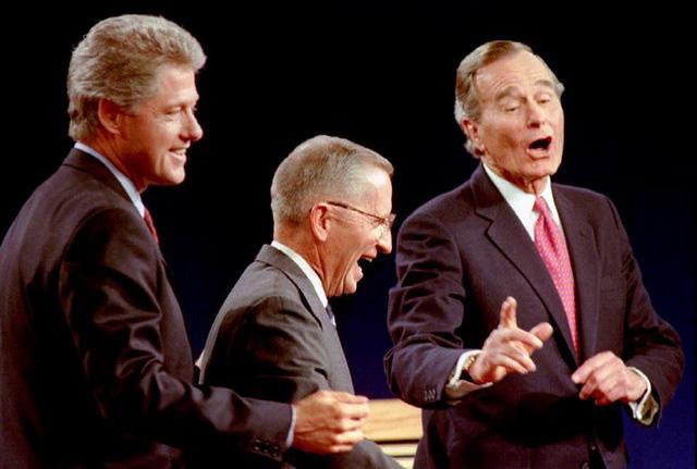 Những màn đấu khẩu trong tranh luận Tổng thống Mỹ - Ảnh 5.